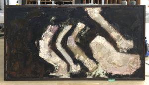 Maleri med klæbrige overflade med tæppefibre før restaurering